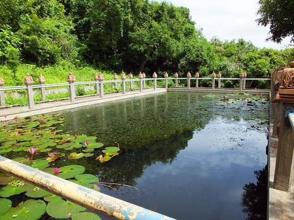 Le bassin royal d'Udong © Doré Elisa