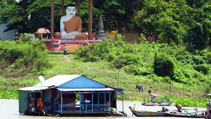 Bouddha est partout...même à la campagne !  © Doré.Elisa