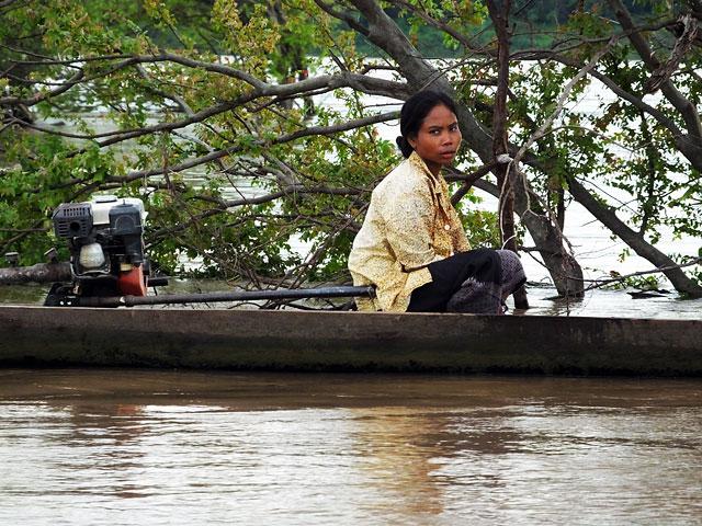 Pêcheuse à la frontière du Laos © Doré Elisa