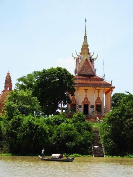 Une pagode à la campagne