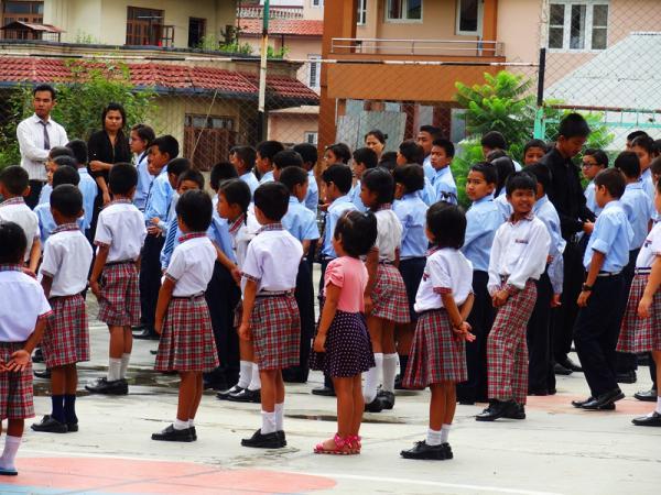 Chant de l'hymne national- katmandu satpragya school - Népal 2015 © Doré. Elisa