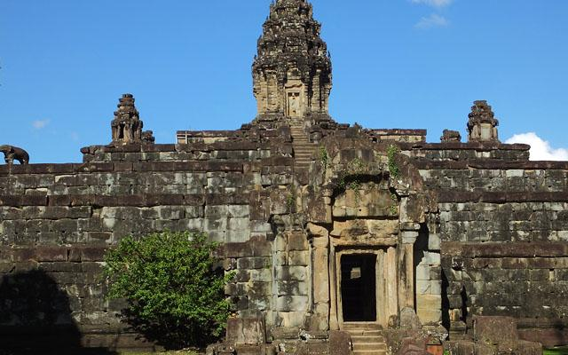 Gopura occidental - Bakong