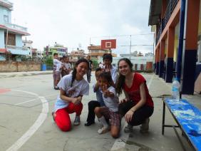 Séance photo avec les élèves - Népal 2015 © Doré. Elisa