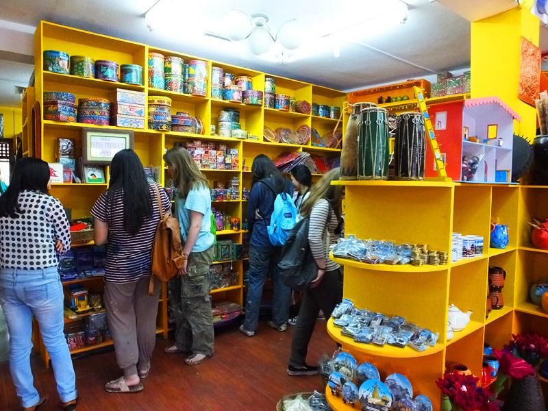 Shopping dans la capitale - Népal 2015 © Doré. Elisa